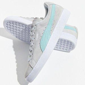 NWT Suede Grey PUMA Sneakers